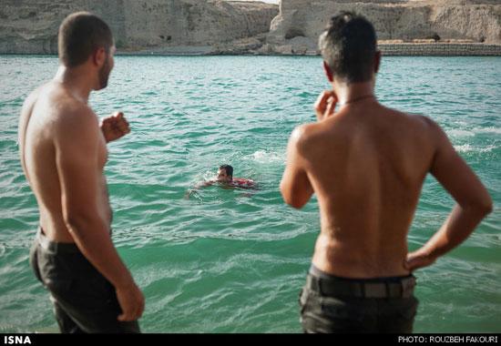 شنا کردن مردم در رودخانه دز علی کله خوزستان