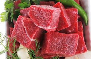 خوردن گوشت موجب قاعدگی سریع در خانم ها می شود
