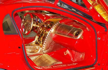 اتومبیل مرسدس بنز از جنس طلا، الماس و یاقوت