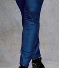 مضرات پوشیدن ساپورت و شلوارهای تنگ و چسبان برای بدن