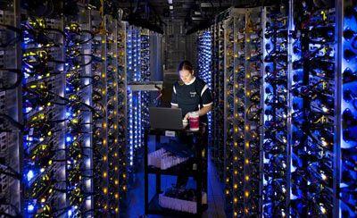 سرورهای غول پیکر گوگل چگونه کار می کنند؟ + تصاویر سرورهای گوگل