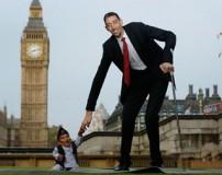 دیدار کوتاه قدترین فرد با بلند قدترین مرد جهان در لندن