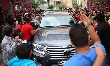 ماشین های علی دایی از گذشته تا امروز (تصویری)