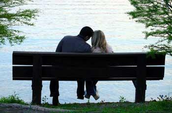 بازگرداندن عشق و عاطفه دوران نامزدی به زندگی زناشویی