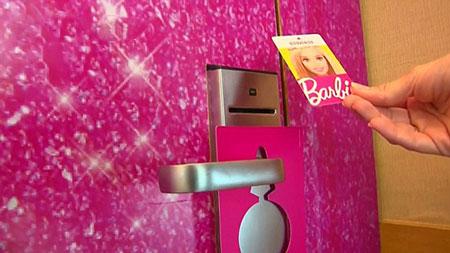 هتل علاقمندان به باربی + تصاویر
