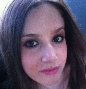 بازرسی بدنی اندام جنسی دختر جوان در فرودگاه + تصاویر