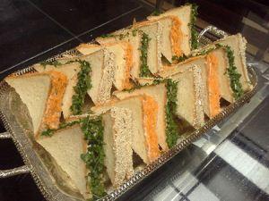آموزش درست کردن مینی ساندویچ مرغ با نان تست