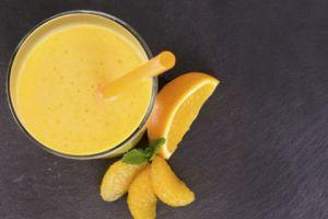 روش تهیه اسموتی پرتقال با لیمو