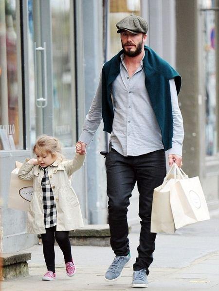 عشق بازی دیوید بکام با دخترش + عکس