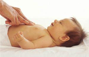 چگونه بفهمیم کودک دل درد دارد + علت دل درد بچه