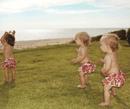 عکس های ناز دختر کوچولوهای سه قلو