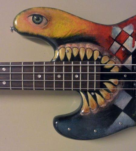تزیین گیتار با طرح ها و نقاشی های جالب