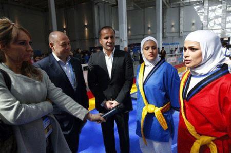 کشتی گرفتن زنان ایرانی در روسیه + تصاویر