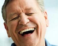 علت خندیدن زیاد برخی از افراد چیست؟