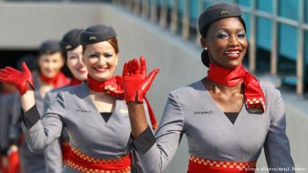 عکس خوشگل ترین مهمانداران هواپیما در خطوط هوایی جهان