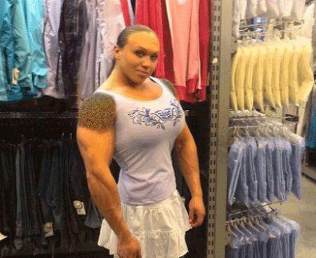 دختر ورزشکاری که عضلات مردانه و قوی دارد (عکس)