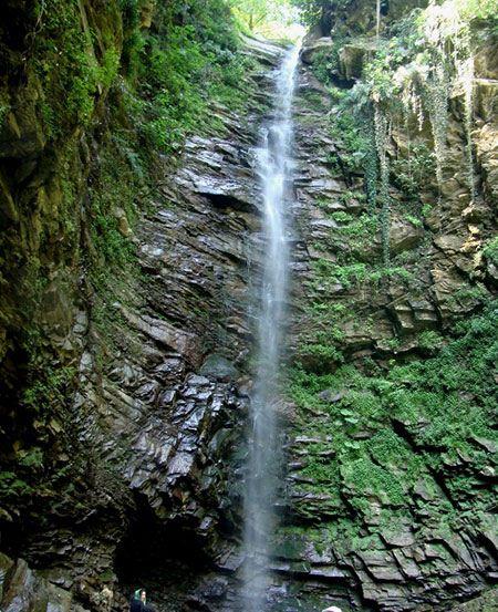 """بلندترین آبشار تفریحی ایران """"گزو"""" (عکس)"""