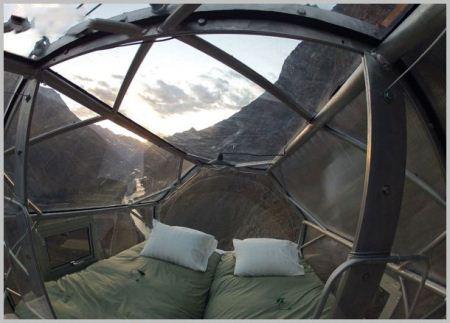 ترسناک ترین خانه شیشه ای در ارتفاعات کوه (عکس)