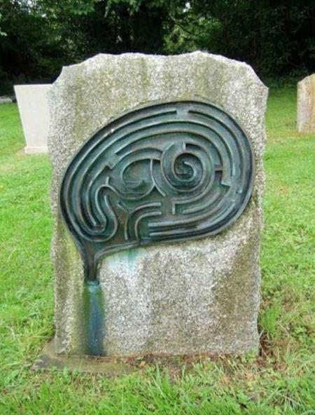 جالب ترین سنگ قبرهای ساخته شده در جهان (عکس)