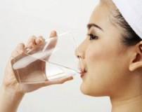 نوشیدن آب قبل از خوردن صبحانه صحیح یا غلط؟
