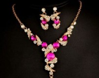 مدل سرویس جواهرات زیبا با نگین رنگی