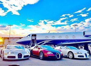 گرانترین خودرو دنیا زیر پای بوکسور آمریکایی + تصاویر