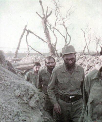 عکس های کمتر دیده شده امام خامنه ای در جبهه های جنگ