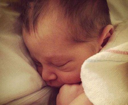 گزارش زنده زن حامله از لحظه فارغ شدن + تصاویر