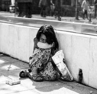 دختر 10 ساله خیابانی دوبار زایمان کرد و بچه هایش را فروخت