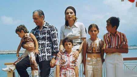عکس های لو رفته از خوشگذرانی محمدرضا پهلوی با خانواده