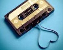 گوش دادن به ترانه های شاد در حین رابطه جنسی