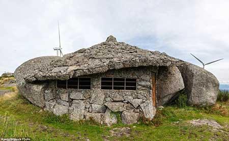 زیباترین خانه های کوهستانی ساخته شده در دل سنگ