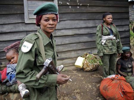 عکس های جالب پلیس زن در کشورهای مختلف جهان