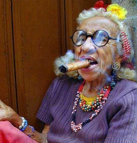 عکس های جالب ثروتمندترین پیرزن باکره جهان