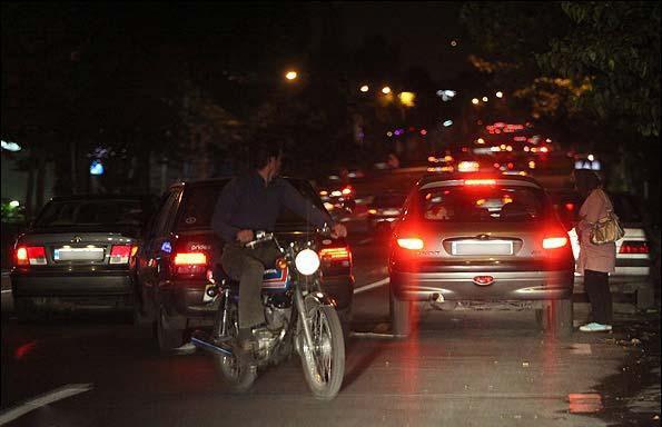 عکس های شرم آور اتو زدن زنان و دختران هرزه در تهران