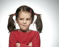 علت لجبازی کودک با پدر، مادر و اطرافیان چیست؟