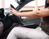 روش اصولی نشستن روی صندلی ماشین برای جلوگیری از کمردرد