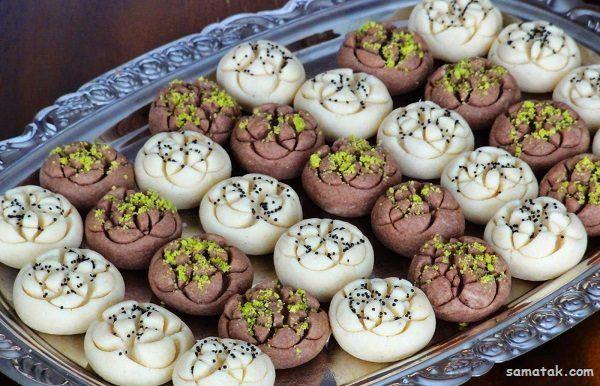 طرز تهیه شیرینی آردی ریز با دو رنگ زرد و سفید برای عید نوروز