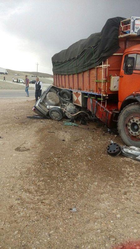 گزارش تصویری له شدن پژو زیر چرخ های کامیون بنز 18+