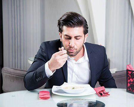 آداب غذا خوردن و اصول باکلاس بودن سر میز غذا در مهمانی های رسمی