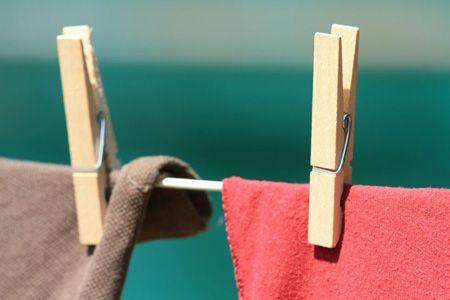 10 راهکار برای رفع چروک لباس بدون اتو