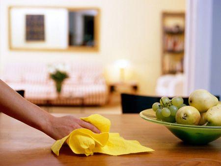 لکه روی کابینت را با این روشها تمیز کنید