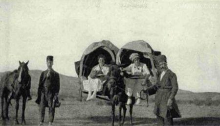عکس توریست های زن آمریکایی در اصفهان زمان قاجار