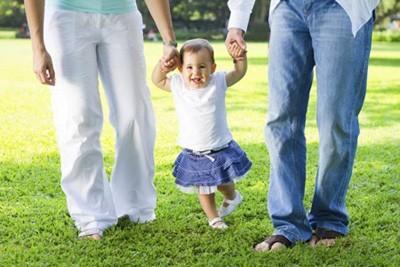 جشن قدم برای کودکتان بگیرید