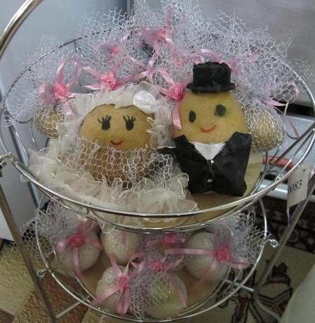 تزیین سبد سیب زمینی پیاز عروس
