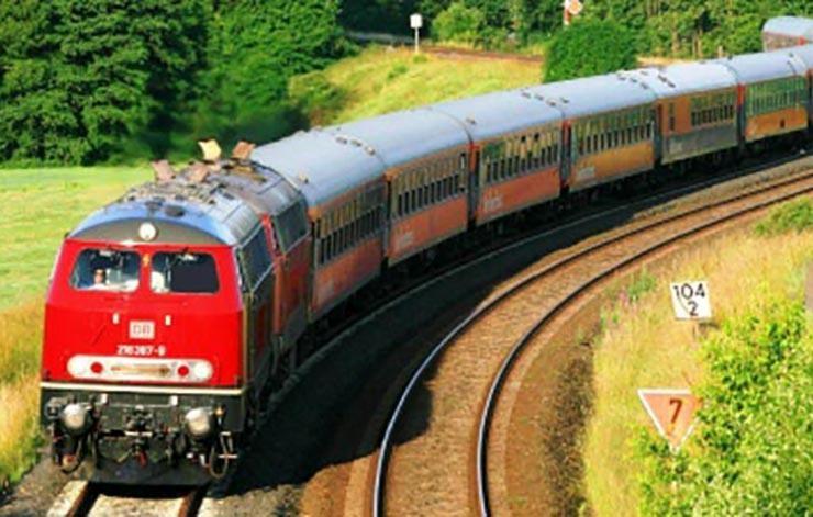 تجاوز به دختر دانشجو و خواهرش در کوپه قطار مسافربری