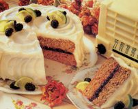 ترفندهای خوشمزه تر شدن کیک و شیرینی خانگی