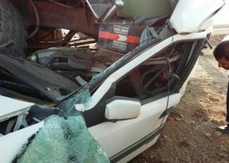 عکس های تصادف مرگبار زانتیا با کامیون در جاده یزد