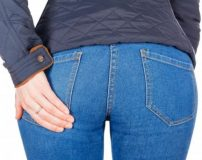 علت جوش زدن روی باسن + درمان جوش های باسن