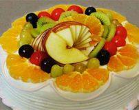 عکس های خوشمزه تزیین کیک های اسفنجی با میوه